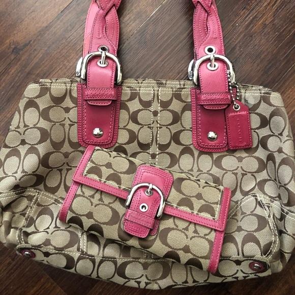 Coach Handbags - Coach Purse Authentic Wallet Set